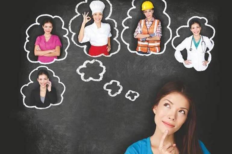 Куда можно поступить после 11 класса: список профессий и специальностей для девушек и юношей
