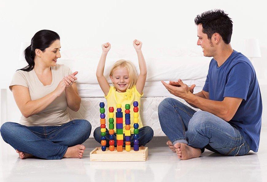 Как хвалить ребенка: меры поощрения за хорошее поведение (примеры, рекомендации)