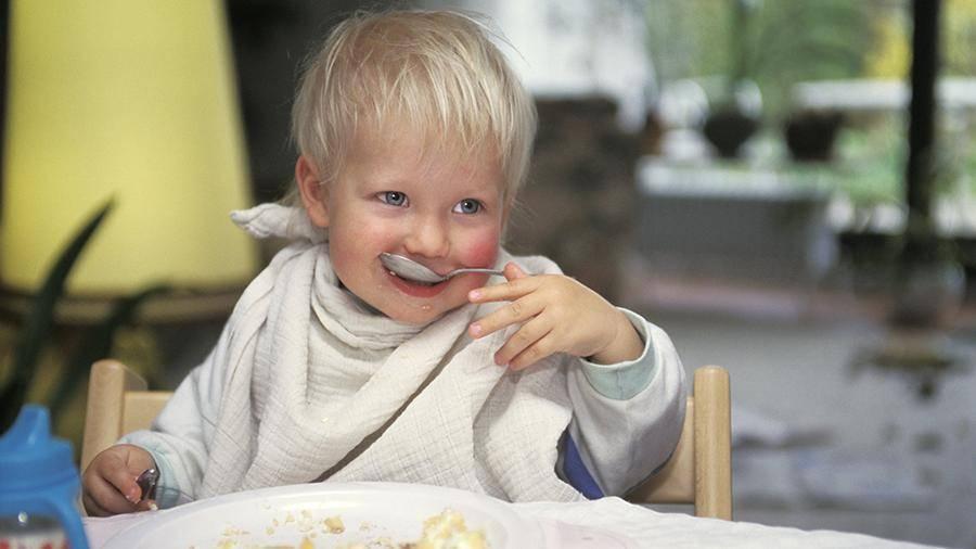Питание ребенка. переход к твердой пище