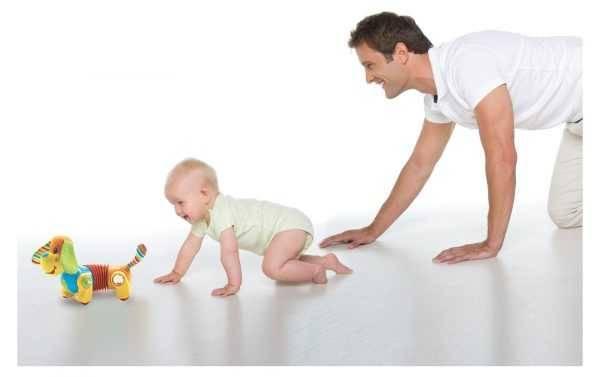 Как научить ребенка ползать на четвереньках? все о пользе этого навыка и упражнениях для его тренировки