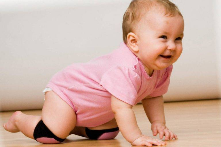Ребенок не сидит в 8 месяцев