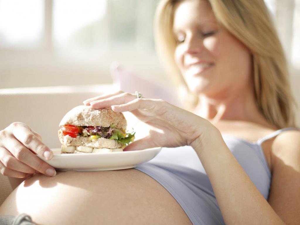 Что нельзя есть беременным во время беременности: список продуктов запрещенный на ранних сроках