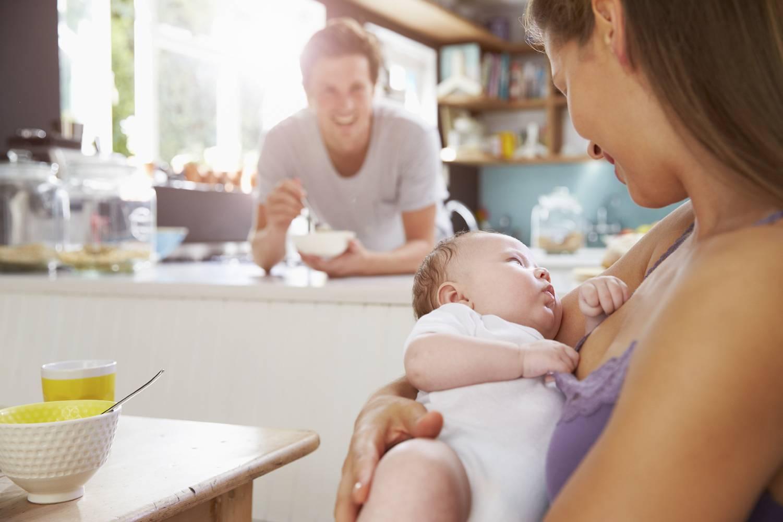 Безопасно ли употреблять ромашку при грудном вскармливании?