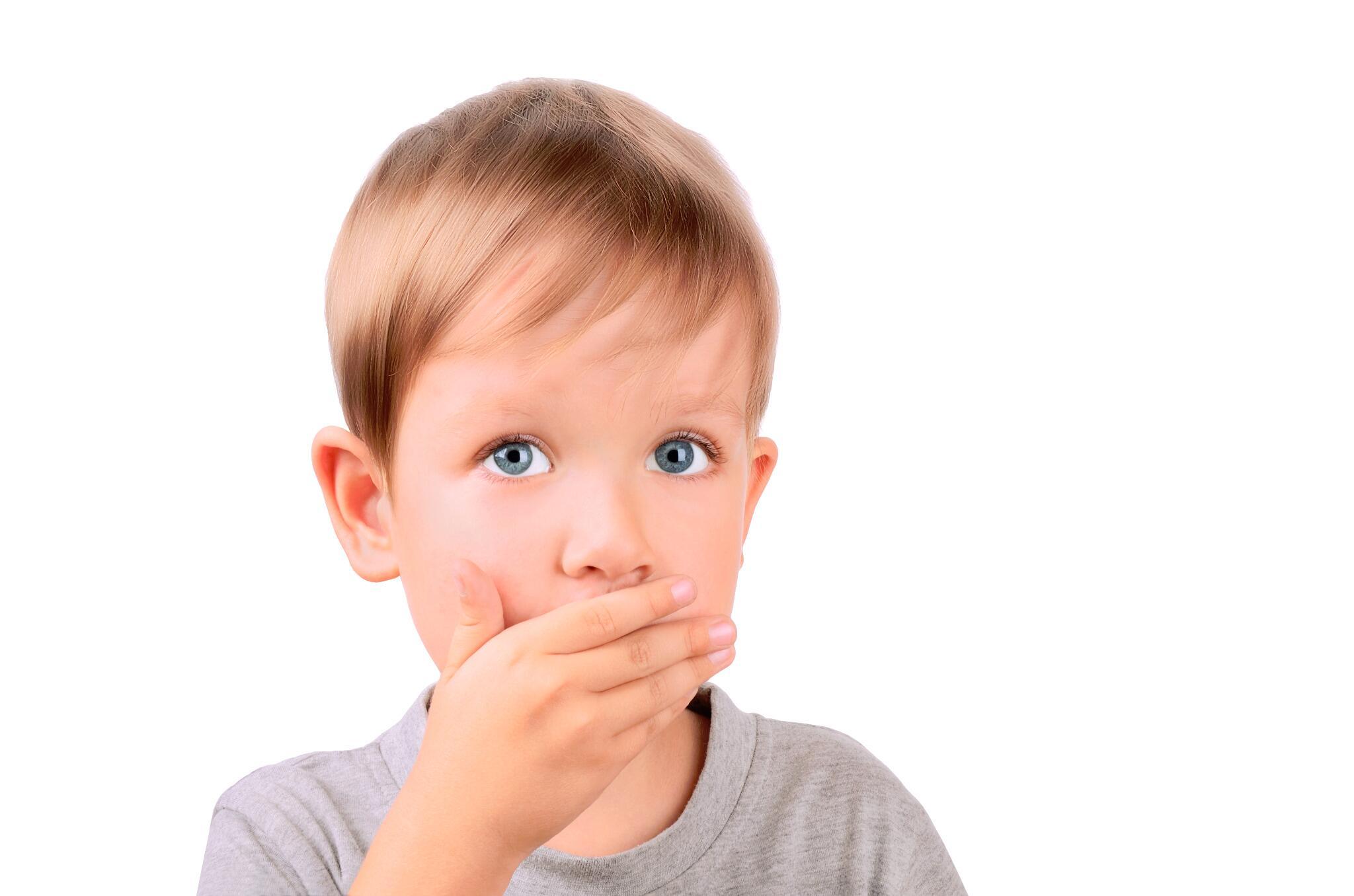 Новорожденный во сне не закрывает рот: возможные причины, что делать родителям