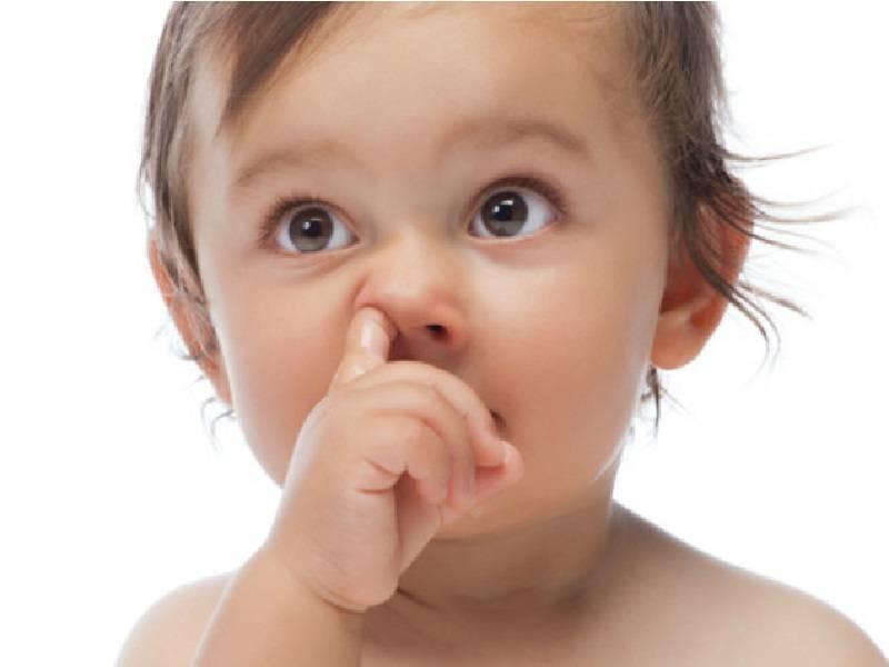 Ребенок засунул в нос бусинку — что делать с инородным телом, как его вытащить?