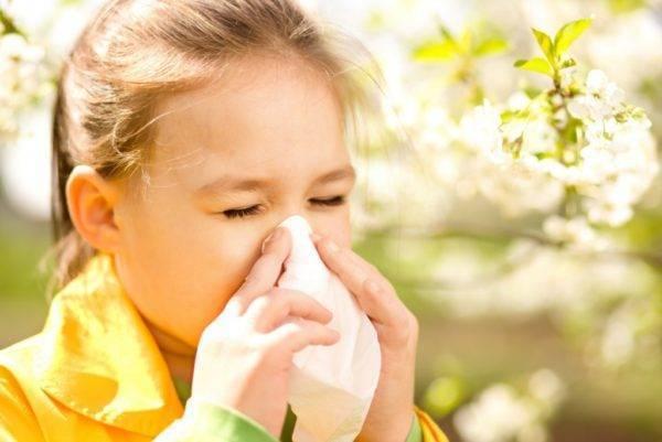 Почему ребенок начал моргать глазами причины и лечение?