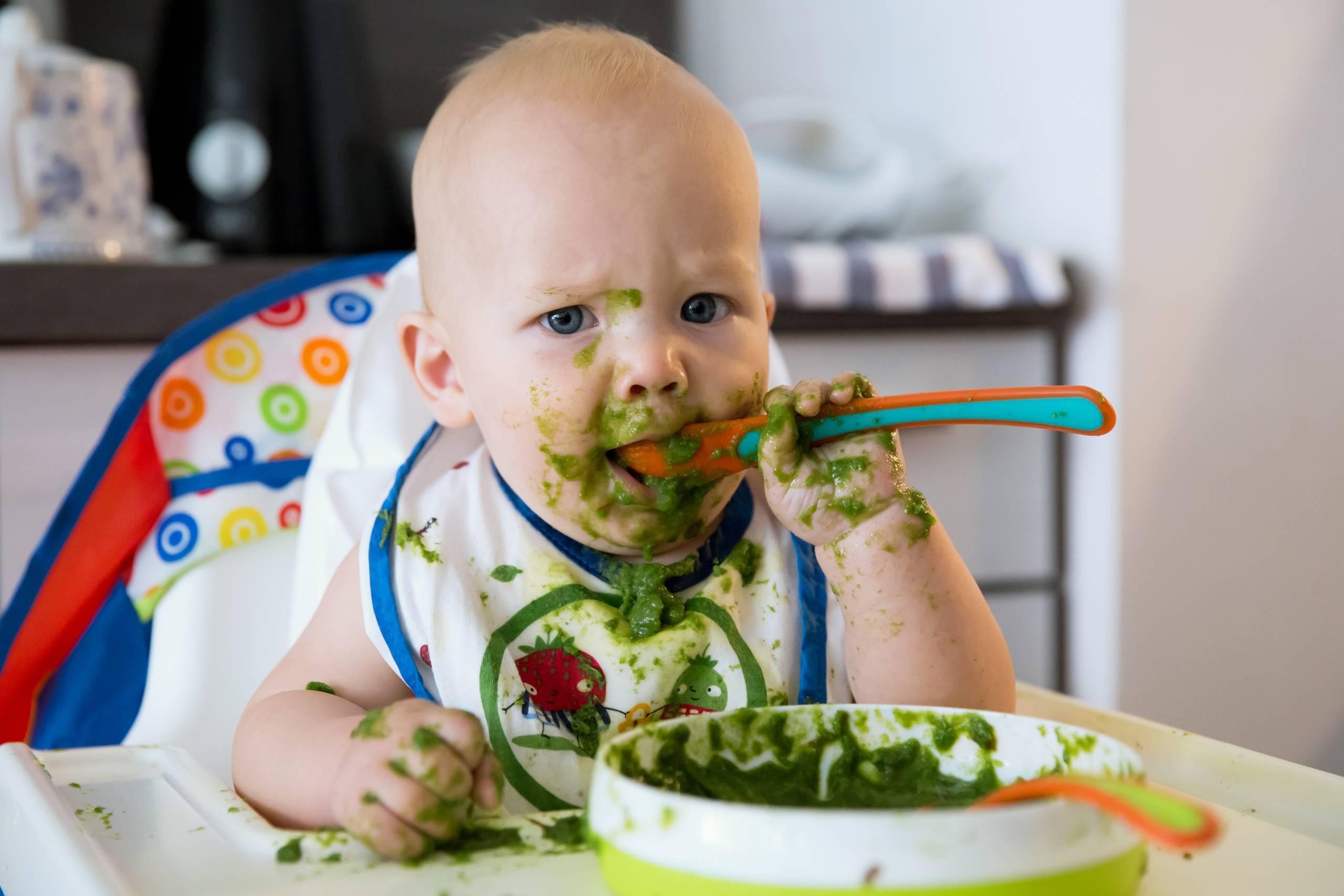 Твердая пища: как приучить малыша