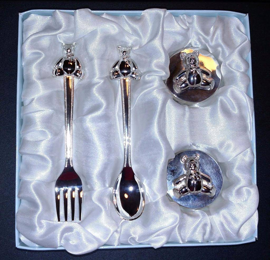 Малышу на первый зуб можно подарить серебряную ложку - gdeserebro.ru
