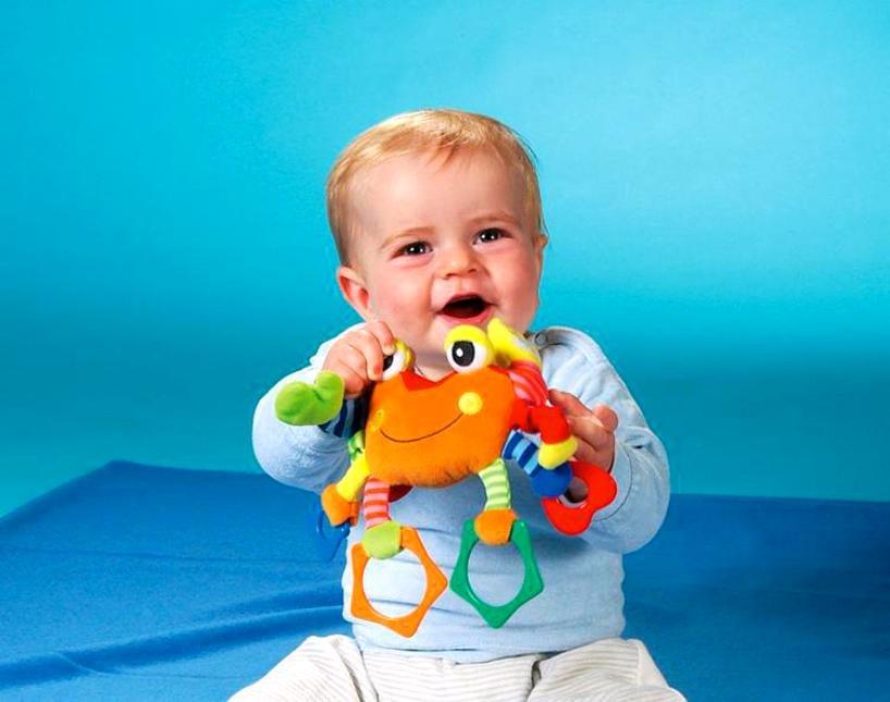Топ 10 развивающих игрушек для детей до 1 года