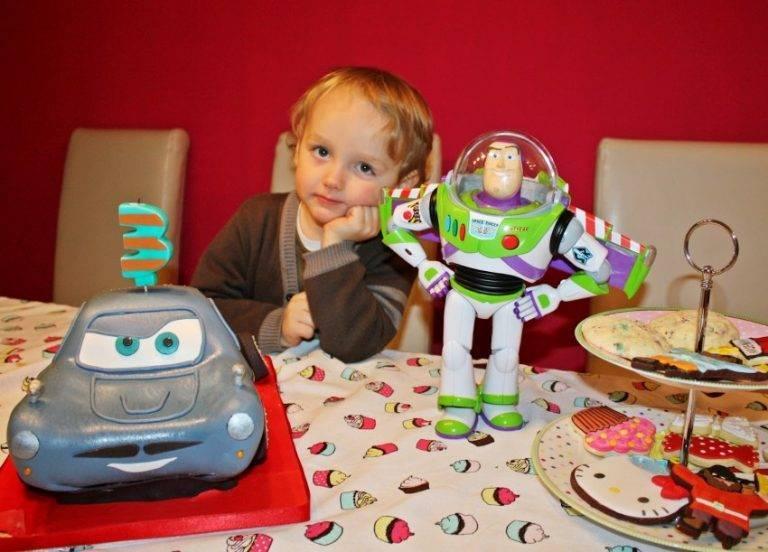 Подарок ребенку: список-напоминалка. что подарить ребенку на новый год и день рождения