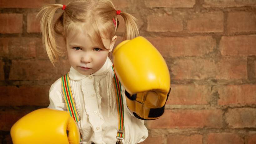 Как научить ребенка постоять за себя: мальчика, девочку, школьников и в садике, как защищать сына, если не умеет давать сдачи обидчикам и отпор нападкам сверстников?