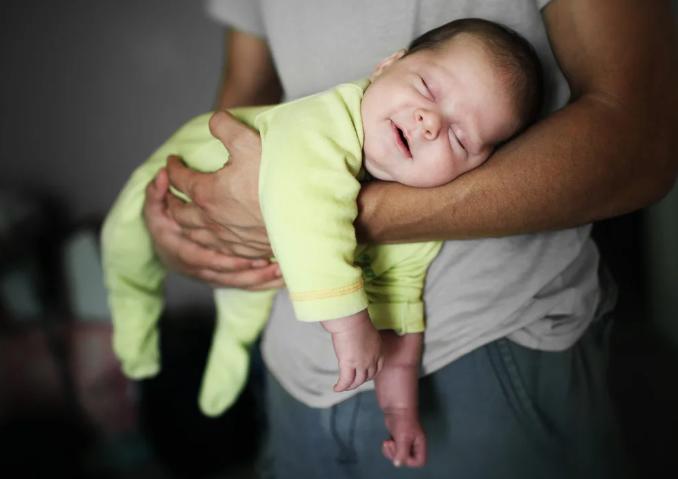 Как отучить от укачивания малыша?