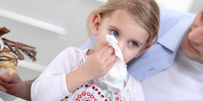 Чем лечить кашель от соплей у ребенка: обзор препаратов, мнение комаровского