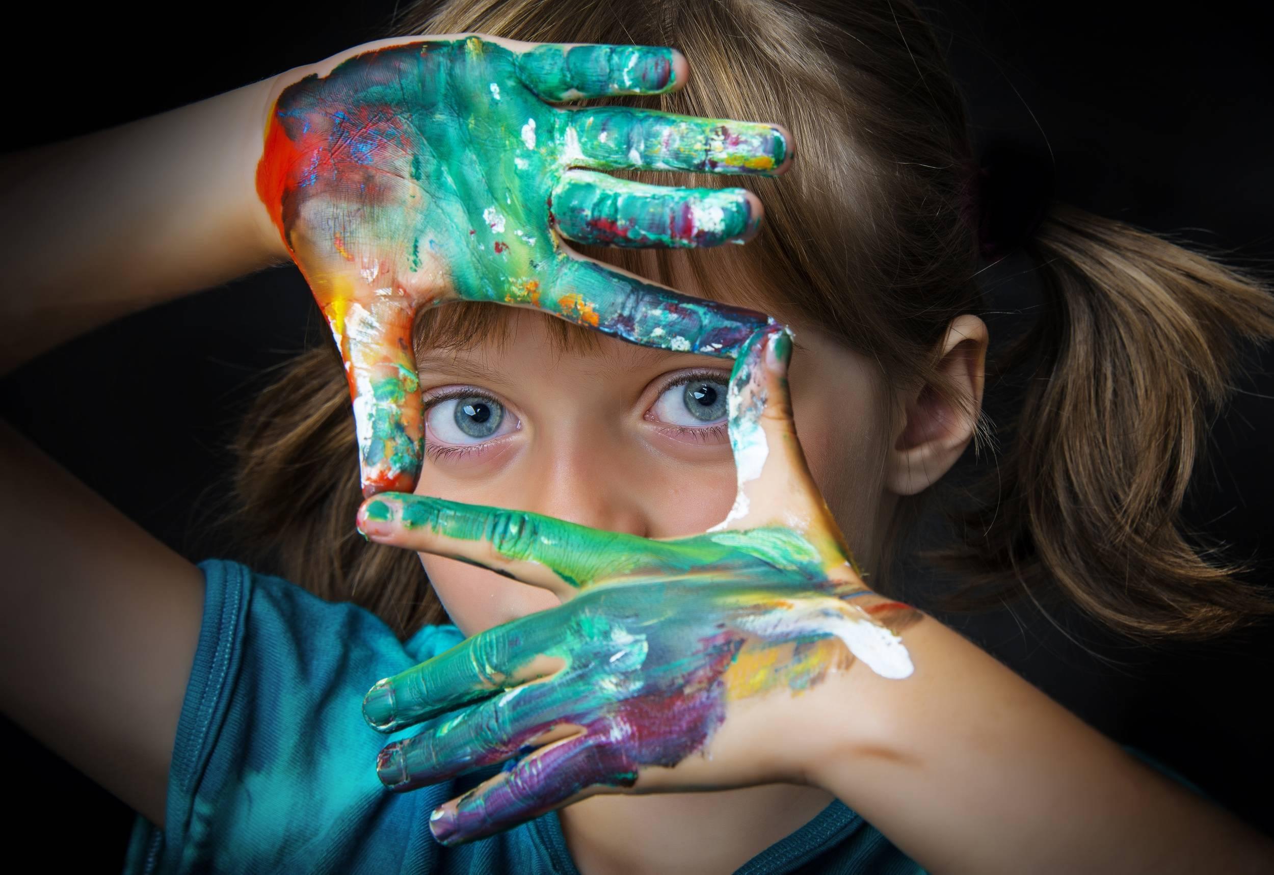 Ребёнок рисует чёрным цветом.                                консультация по теме