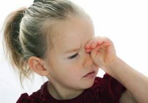 Глазное яблоко болит при надавливании - причины, что делать