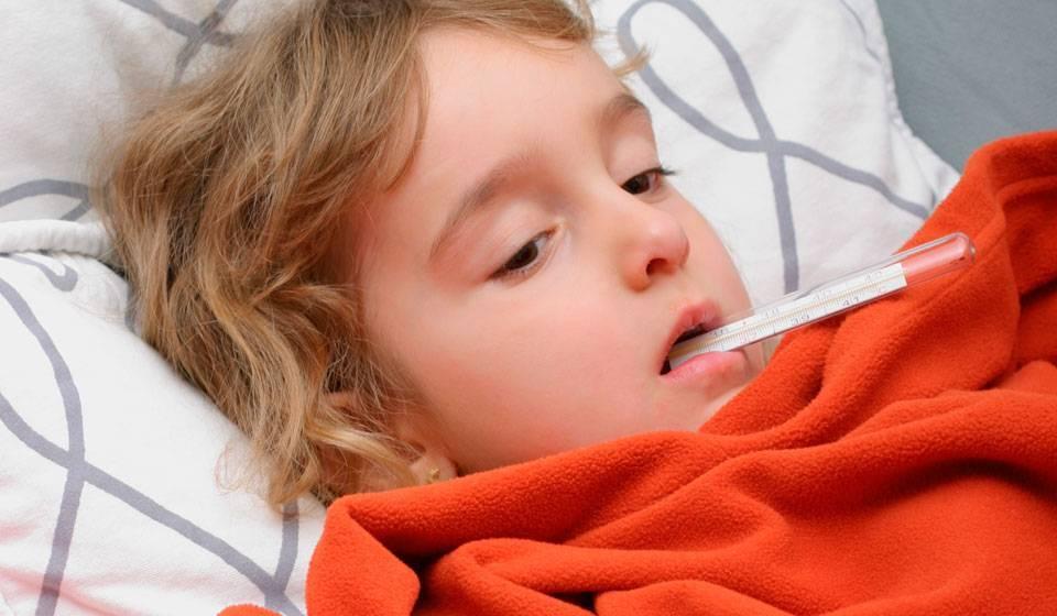 Как лечить аденовирусную инфекцию у детей: симптомы, лечение и антибиотики