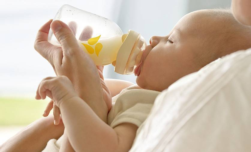 Новорожденный мало ест и плохо спит — почему грудничок отказывается от еды? - wikidochelp.ru