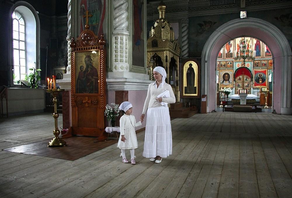 Почему нельзя посещать храм во время месячных. можно или нельзя ходить в храм или церковь во время месячных: мнение православных священников