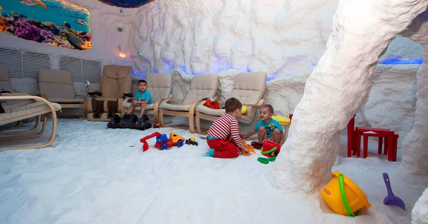 Солевые пещеры: польза и вред для детей, правила в галокамере.