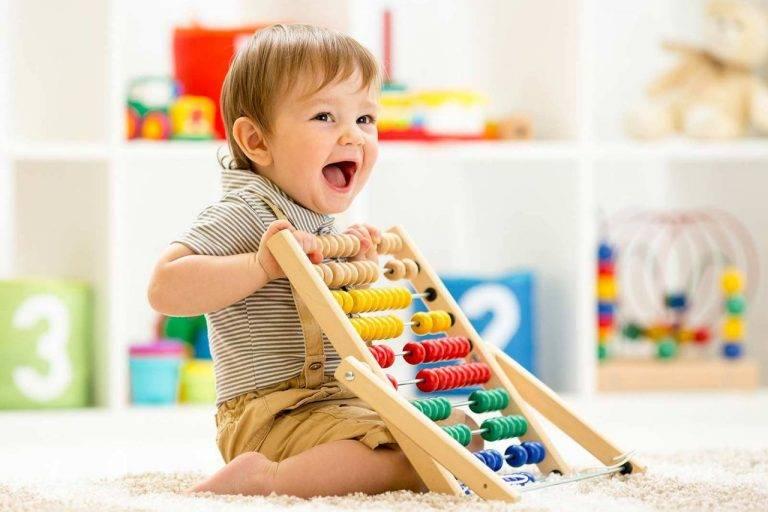 Развивающие игры для детей 7 месяцев: как и во что играть в домашних условиях
