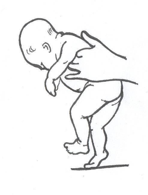 Как правильно держать грудного ребенка