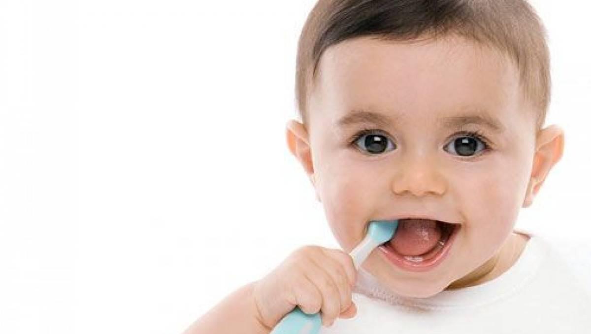 Кариес молочных зубов — причины, формы и стадии