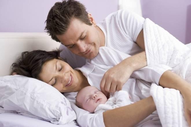 Совместный сон с ребенком: польза, до какого возраста, когда отучать