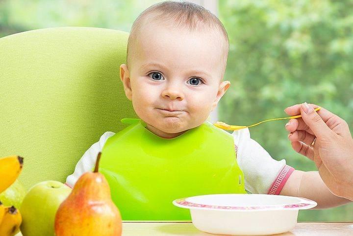 Грушевое пюре как первый прикорм грудного ребенка
