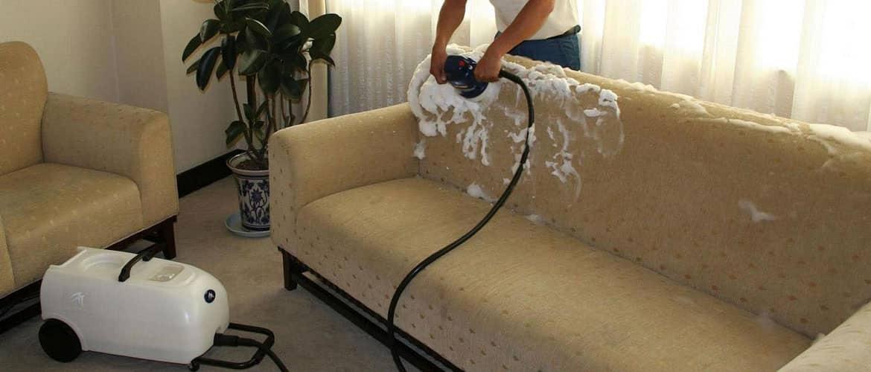 Как быстро и эффективно вывести запах детской мочи с дивана