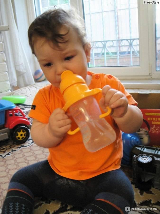 Как научить ребенка пить с трубочки: в 8 и 9 месяцев, в год, для чего необходимо