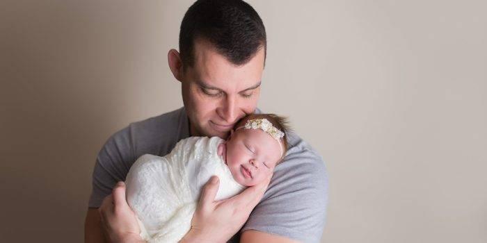 Развитие ребенка в 1 месяц: первые достижения