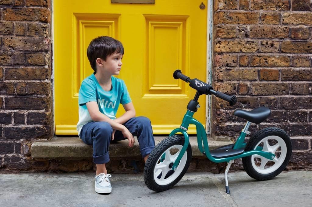 Беговел для детей от 2 лет: как выбрать велосипед без колес — рейтинг и обзор