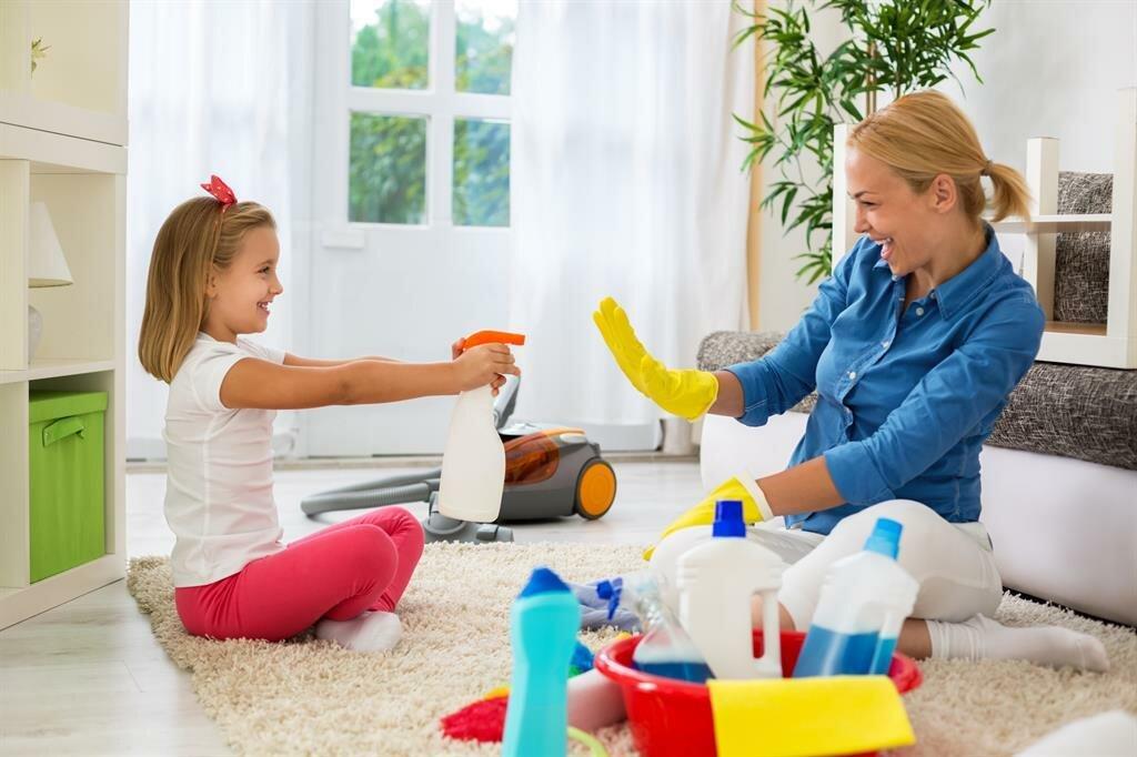 Как приучить ребенка к порядку и научить убираться
