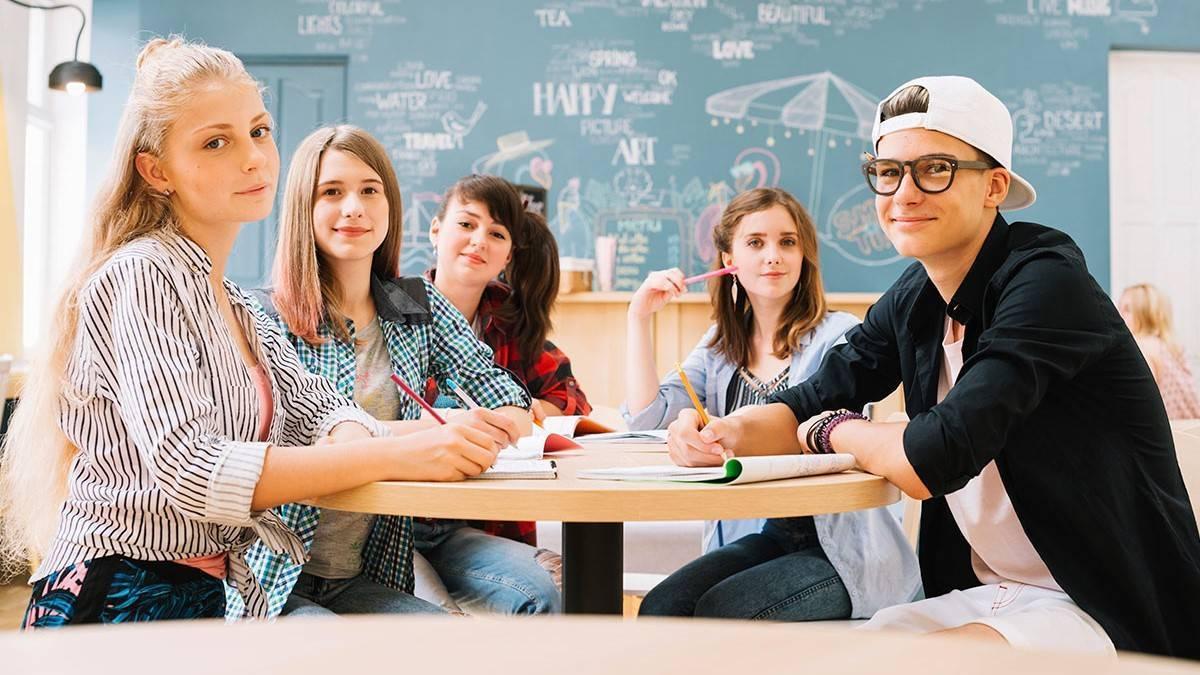 Список профессий после 9 класса: на кого лучше поступать девушкам и мальчикам