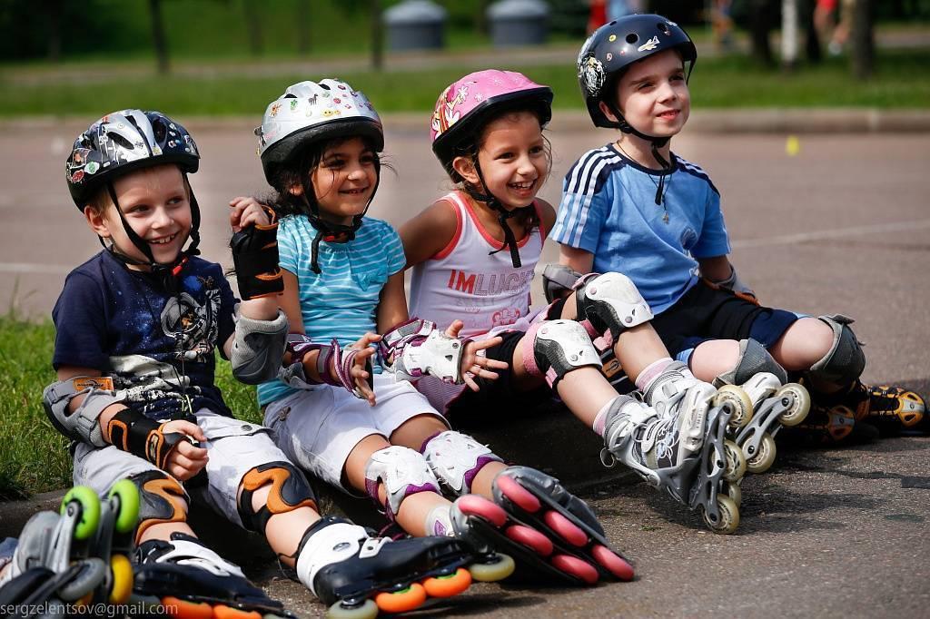 Как научить ребенка кататься на роликах: методика обучения и упражнения