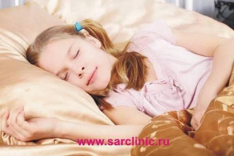 Как отучить ребенка писать ночью в постель