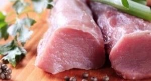 Свинина при грудном вскармливании: польза или вред