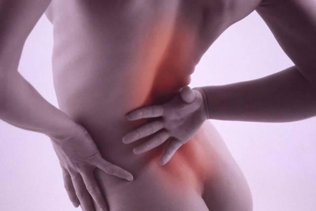 Болит крестец: основные причины боли