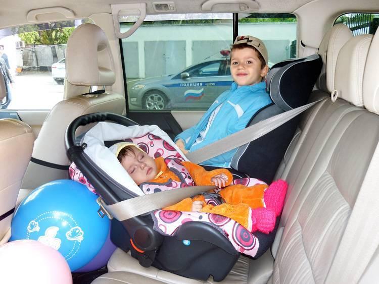 Как перевозить новорожденного в машине по правилам дорожного движения в люльке для перевозки грудных детей в собственном автомобиле и такси