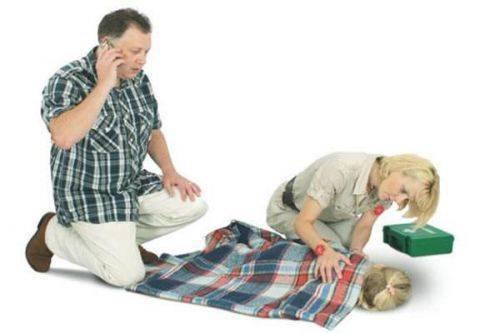 Как оказывать первую помощь при фебрильных судорогах у детей