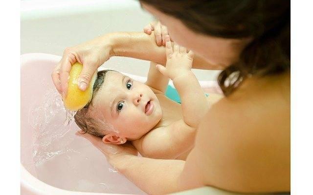 Можно ли купать ребенка при кашле, насморке, температуре