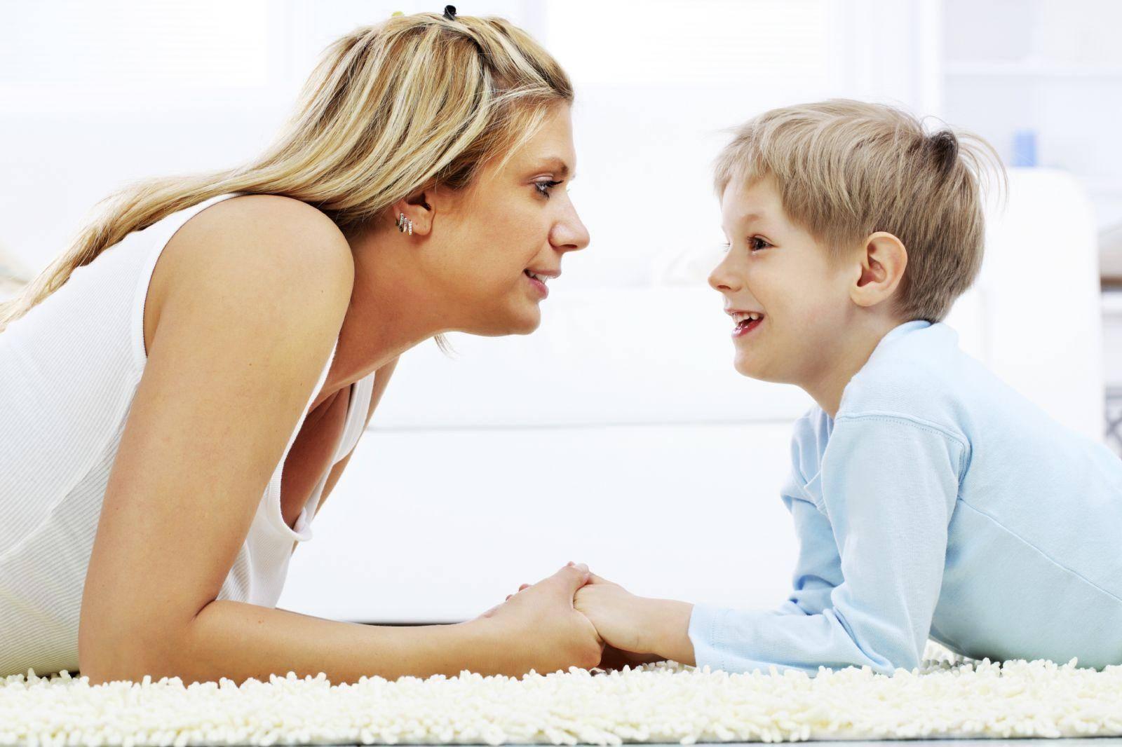 Дети погодки: как справиться одной с двумя детьми