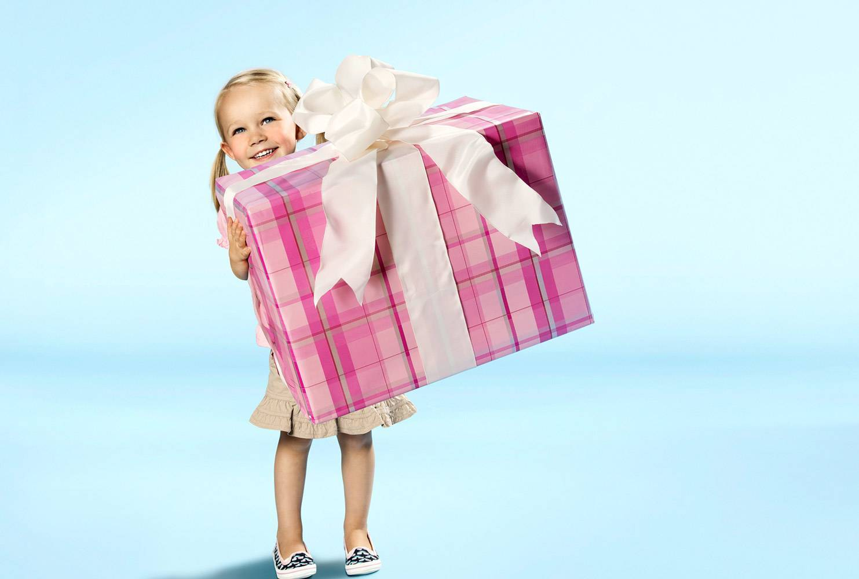 Что подарить девочке на 4 года - подборка крутых идей для подарков