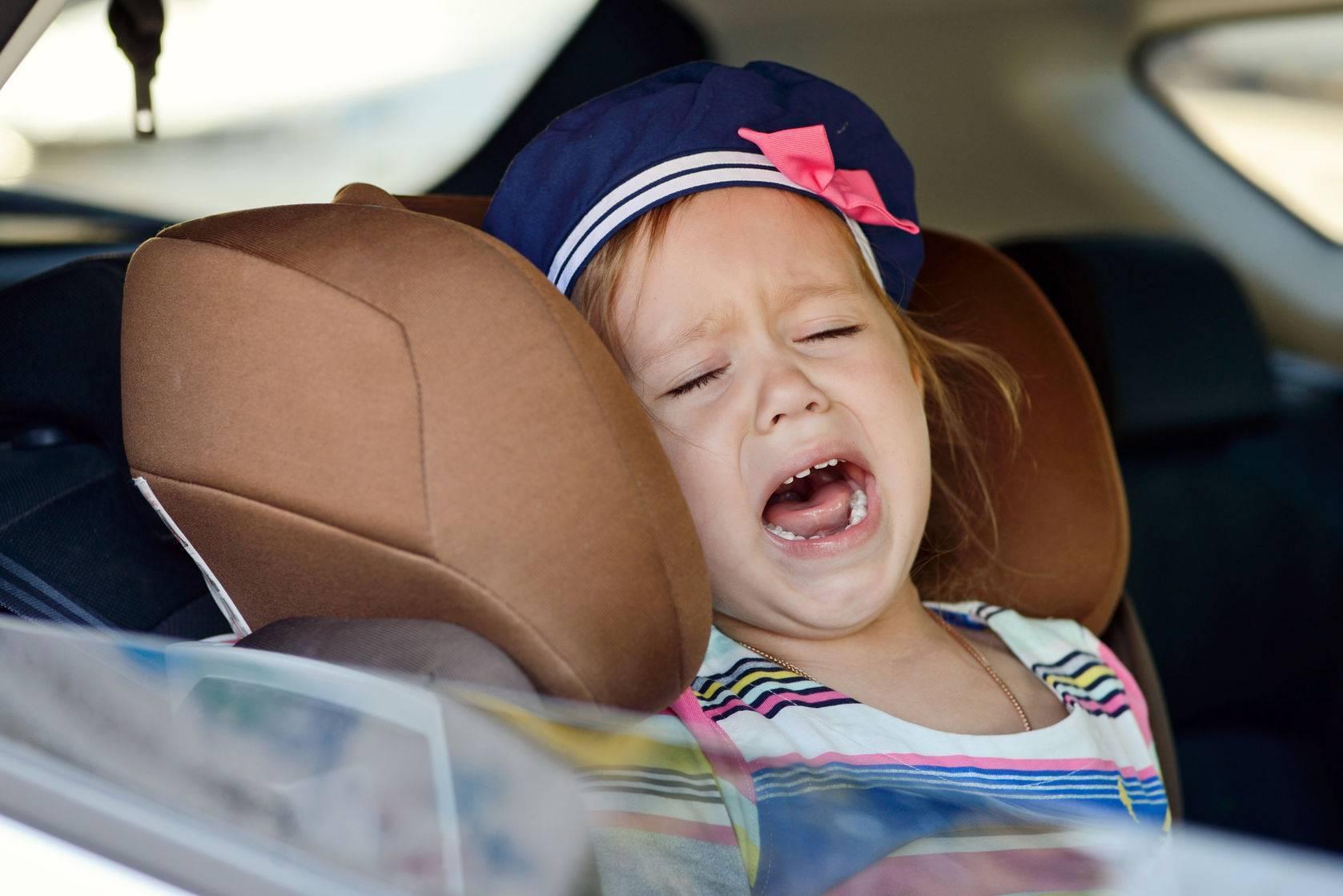 Ребенка укачивает в машине: методы лечения и профилактика