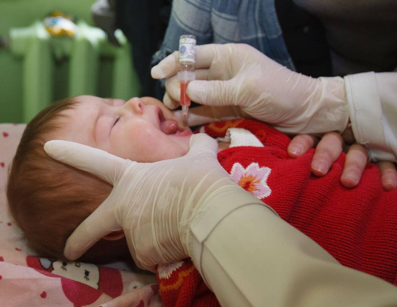 Прививка от полиомиелита: чем рискуют «отказники»?