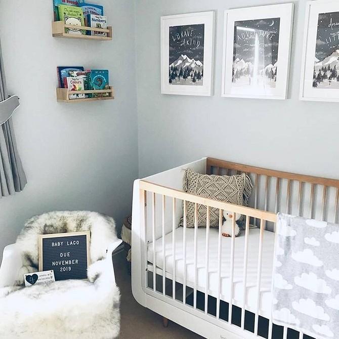 Чем и как покрасить детскую деревянную кроватку: обзор материалов и подробная инструкция