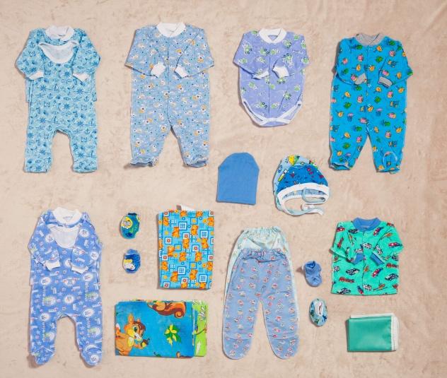 Какая одежда нужна новорожденному на первое время? что не нужно покупать?
