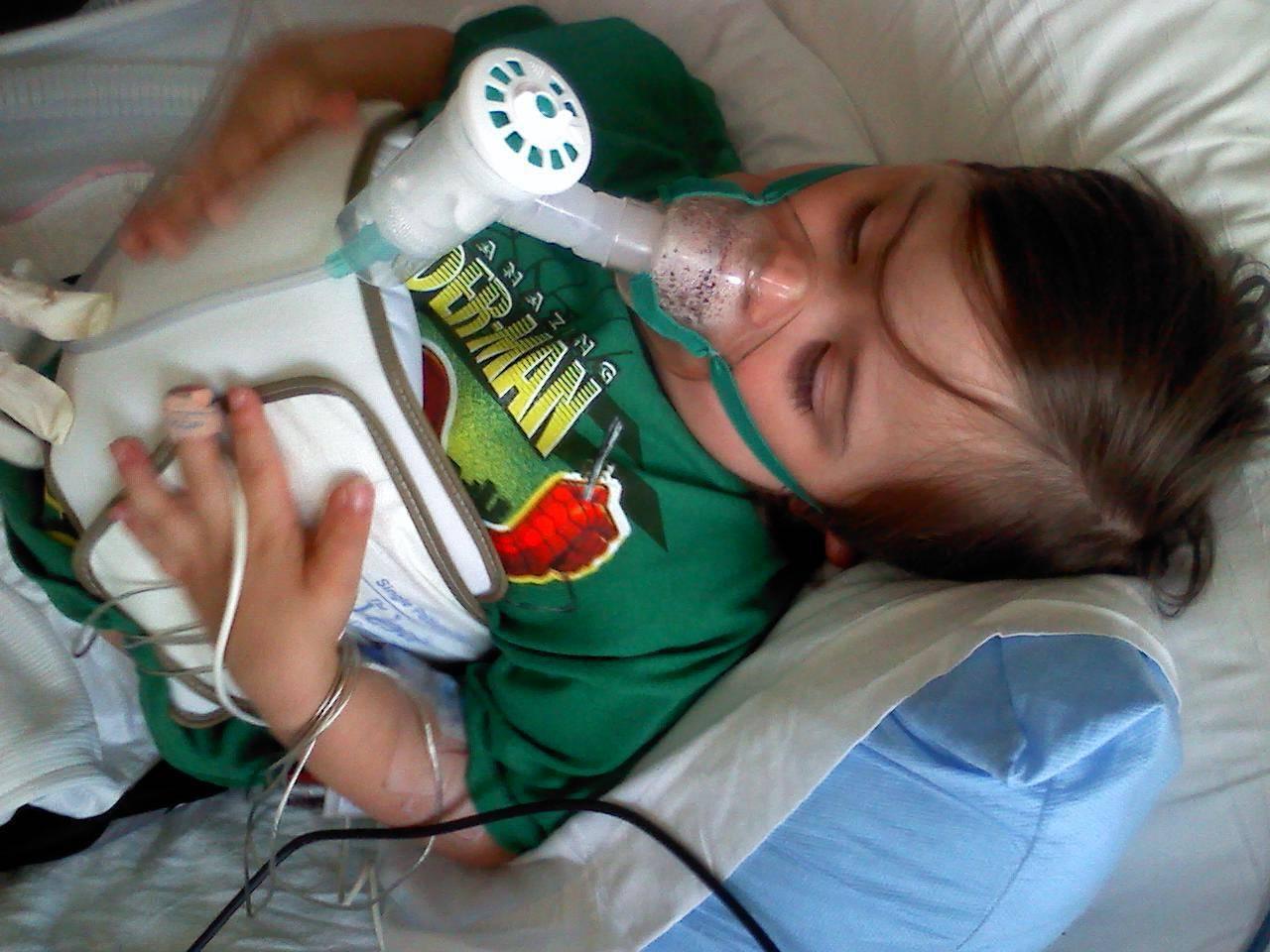 Лечение трахеобронхита лекарствами, немедикаментозной терапией и народными средствами