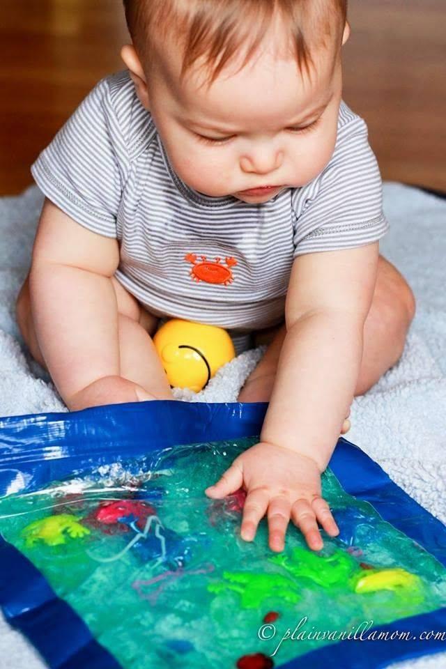 Развивающие игры для детей 6 месяцев: как и во что играть с малышом