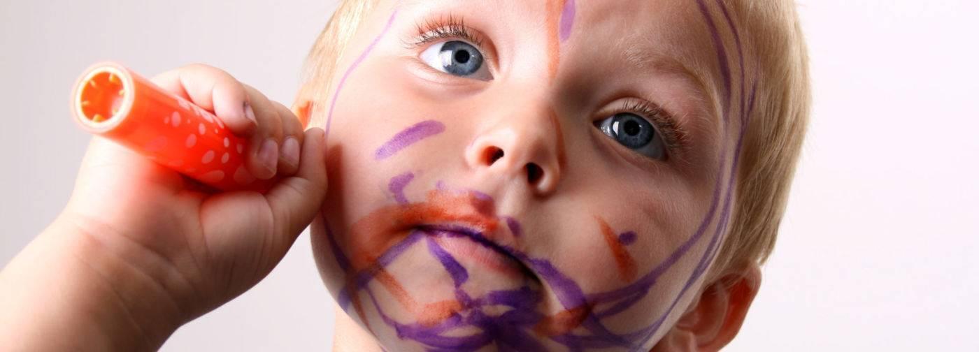 Чем оттереть фломастер с кожи ребенка: как вывести маркер, лучшие способы